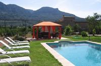 Magnífica casa con una gran piscina y jardín en el centro de Sóller